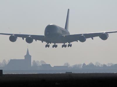 Es handelte sich womöglich um eine Maschine der britischen Fluggesellschaft Thomson Airways, einer Tochter von Tui Travel. (Archiv- und Symbolbild)