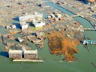 Ein Bild der Verwüstung bietet sich beim Blick auf diesen Teil der vom Erdbeben und dem folgenden Tsunami heimgesuchten Präfektur Iwate.