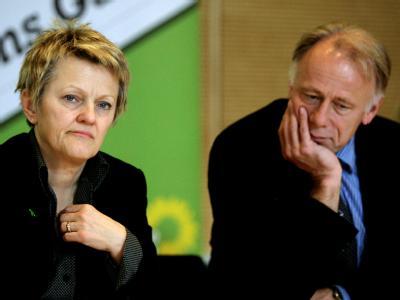 Die Fraktionsvorsitzenden der Partei Bündnis 90/DieGrünen, Renate Künast und Jürgen Trittin, bei einem Fachgespräch zum Atomunfall in Japan am Montag.