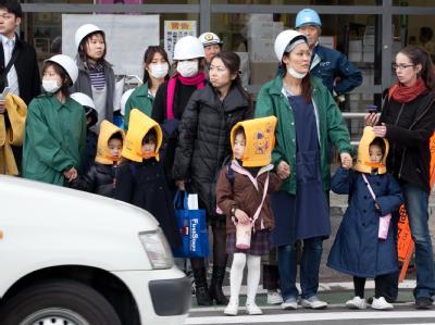 Die Angst vor der atomaren Katastrophe nimmt unter den Japanern zu.