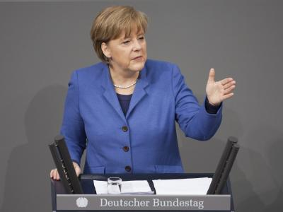 Bundeskanzlerin Angela Merkel gibt im Bundestag eine Regierungserklärung zur Atom-Krise ab.