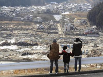 Blick auf die schwer verwüstete Stadt Minami Sanriku in der Präfektur Miyagi.