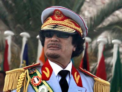 Muammar al-Gaddafi, hier bei einer Parade im Jahr 2009, hat seinen Anhängern den Sieg über die Allianz des Westens versprochen.