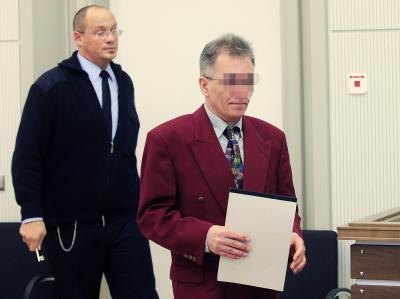 Der 48-jährige Angeklagte aus dem Westerwald gibt nach Angaben seiner Verteidigung alle Vorwürfe aus dem Plädoyer der Anklage zu.