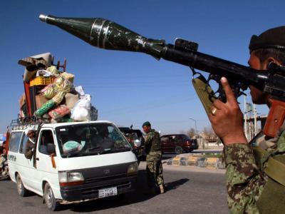 Afghanen übernehmen in sieben Regionen das Kommando