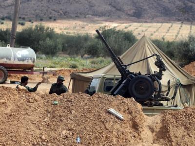 Ein Checkpoint der libyschen Armee zwischen Tripolis und Bani Walid.