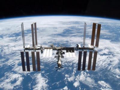 Die Internationale Raumstation ISS musste kurzzeitig evakuiert werden, weil sich Weltraumschrott bis auf 250 Meter genähert hatte.