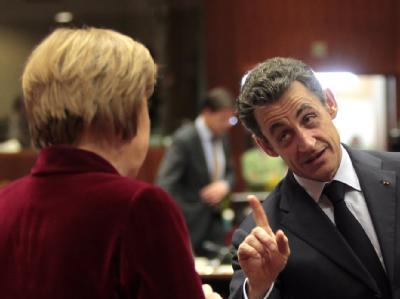 Erhobener Zeigefinger: Die Libyen-Krise treibt einen Keil zwischen Kanzlerin Merkel und Frankreichs Präsidenten Nicolas Sarkozy.