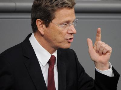Außenminister Guido Westerwelle (FDP) dringt auf eine politische Lösung des Libyen-Konfliktes.