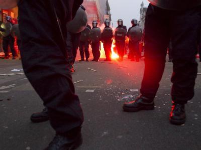 Nach den friedlichen Protesten gegen den Sparkurs der britischen Regierung, kam es zu Ausschreitungen.