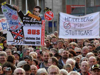 Montagsdemonstration in Stuttgart