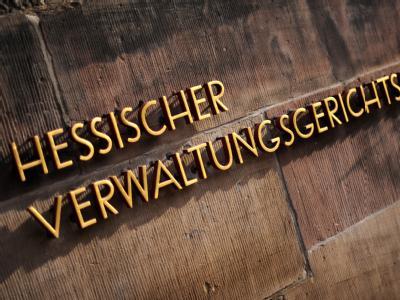 Beim Verwaltungsgerichtshof in Kassel wurde Klage gegen die vorübergehende Abschaltung des Atomkraftwerks Biblis A eingereicht.