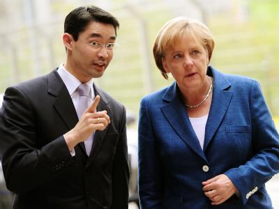 Bundeskanzlerin Angela Merkel (CDU) und Bundesgesundheitsminister Philipp Rösler (FDP). (Archivbild)
