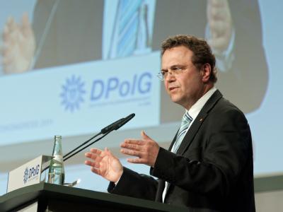 Bundesinnenminister Hans-Peter Friedrich (CSU) beim Bundeskongress der Deutschen Polizeigewerkschaft (DPolG).