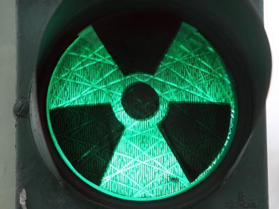 Atomzeichen auf Ampel