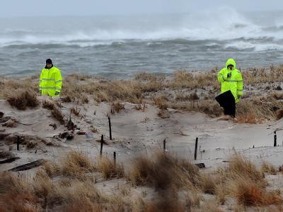 Den ersten grausigen Fund machte die Polizei bereits im Dezember: Jeweils nur wenige Meter voneinander entfernt entdeckten sie vier Leichen.