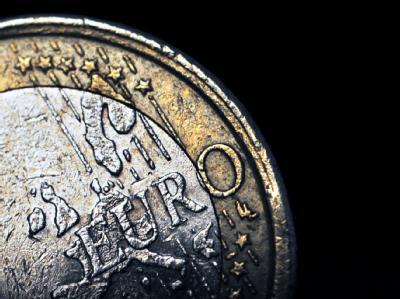Bevor Geld aus der EU fließen kann, muss Portugal ein neues striktes Sparprogramm vorlegen.
