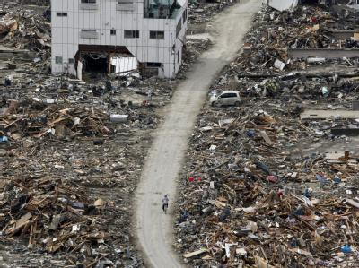 Zerstörungen in Ishinomaki in der Präfektur Miyagi. Ein neues schweres Erdbeben hat die Unglücksregion erschüttert.