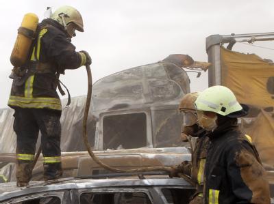 Mehr als 250 Helfer waren nach dem schweren Unfall auf A19 im Einsatz.