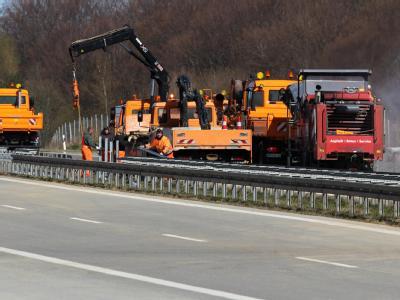 Nach der Massenkarambolage auf der Autobahn A19 sind die Aufräumarbeiten abgeschlossen.