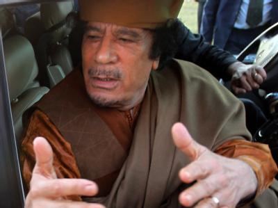 Libyens Machthaber Gaddafi nach dem Treffen mit der Delegation der Afrikanischen Union.