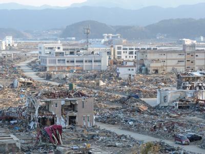 Blick auf die Stadt Rikuzentakada, die vom Erdbeben stark gezeichnet ist.