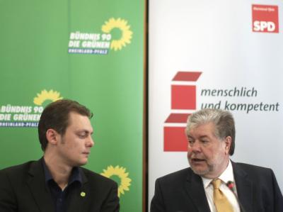 Rot-grüne Regierungspläne: Der rheinland-pfälzische Regierungschef Kurt Beck (SPD, r.) und Grünen-Landesvorsitzender Daniel Köbler in Mainz