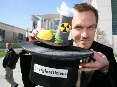 Anti-Atom-Protest vor dem Berliner Kanzleramt