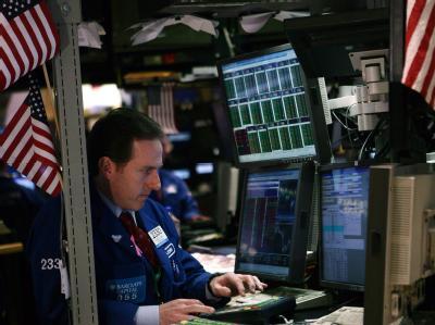 Händler an der New Yorker Börse: Die Ratingagentur S&P hat die Kreditwürdigkeit der Vereinigten Staaten in Zweifel gezogen.