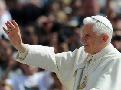Papst Benedikt XVI. am Mittwoch bei der Generalaudienz auf dem Petersplatz in Rom.
