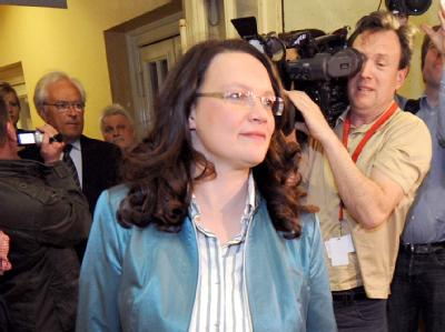 Wortkarg: Die SPD-Generalsekretärin Andrea Nahles vor und nach der Verhandlung.