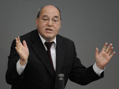 Linken-Fraktionschef Gysi hat sich dafür entschuldigt, dass er ein Comeback von Ex-Parteichef Oskar Lafontaine ins Gespräch gebracht hat.