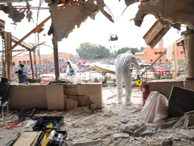 Spurensuche: Der Anschlag galt dem Kaffeehaus «Argana» am zentralen Jamaa el-Fna-Platz in Marrakesch.