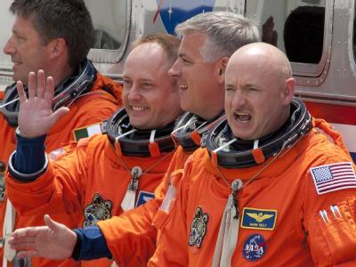 Endeavour-Crew