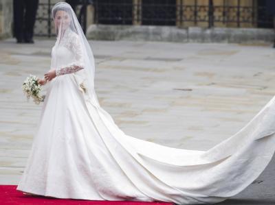 In einer Robe von Alexander McQueen: Kate Middleton.