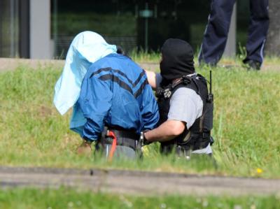 Mutma�liche Terroristen werden beim BGH vorgef�hrt