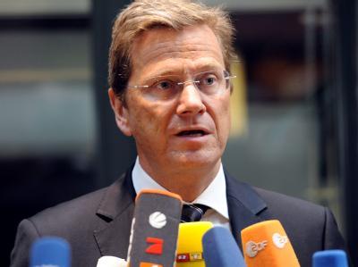 Der scheidende FDP-Vorsitzende Guido Westerwelle zieht sich auch aus dem schwarz-gelben Koalitionsausschuss zurück.