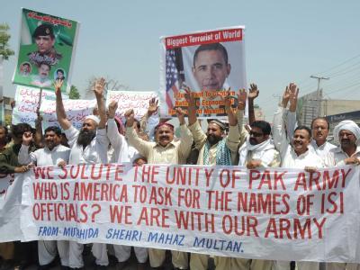 Einwohner pakistanischen Stadt Multan protestieren gegen die Tötung Osama bin Ladens durch Spezialeinheiten des US-Militärs.