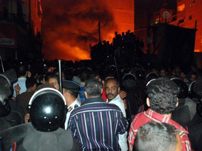 Bei Zusammenstößen zwischen Muslimen und koptischen Christen wurden in Kairo zahlreiche Menschen verletzt.