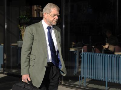 Der Sachverständige Günter Köhnken kommt zum 40. Prozesstag im Fall Jörg Kachelmann zum Landgericht in Mannheim.