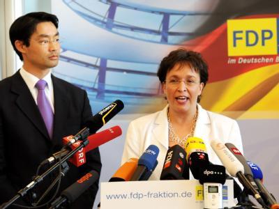 Die scheidende FDP-Fraktionsvorsitzende Birgit Homburger und der designierte Parteichef Philipp Rösler