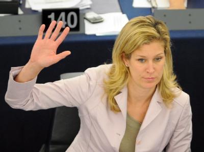 Die einstige FDP-Vorzeigefrau Silvana Koch-Mehrin bei einer Abstimmung im Europaparlament (Archivbild)