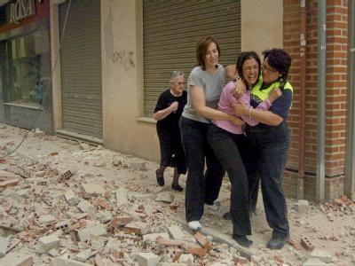Das Beben hatte die Stärke 5,3. Allein in der Stadt Lorca starben nach Angaben der Lokalbehörden mindestens zehn Menschen.