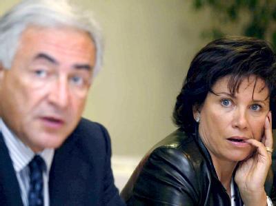 IWF-Chef Dominique Strauss-Kahn und seine Ehefrau Anne Sinclair (Archivfoto vom 30.03.2005).