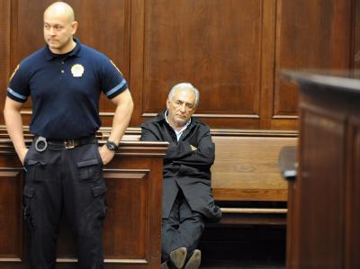 IWF-Chef Strauss-Kahn wartet auf seinen Gerichtstermin in New York.