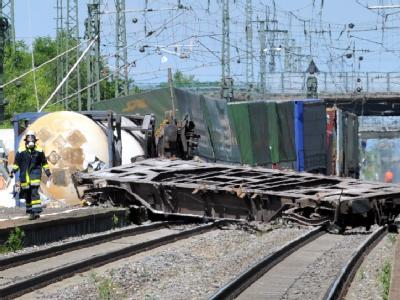 Entgleister Güterzug