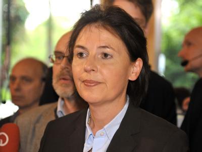Die CDU-Spitzenkandidatin Rita Mohr-Lüllmann steht nach der ersten Prognose für die Bürgerschaftswahl in der Parteizentrale der CDU in Bremen.