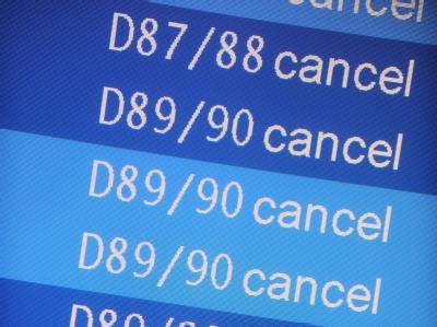 «Cancel»: Reihenweise wurden Flüge gestrichen - Allein an den Flughäfen Bremen und Hamburg 600.