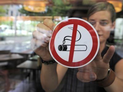 Die Mehrheit der Deutschen ist für bundesweit einheitliche Regeln für Rauchverbote.