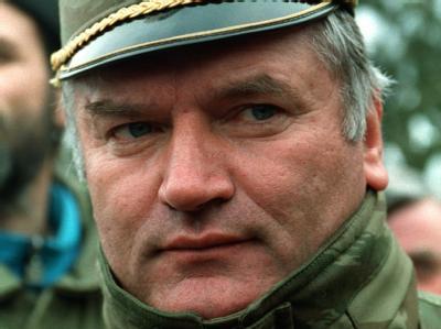 Der Befehlshaber der bosnischen Serben, General Ratko Mladic, in Bosnien-Herzegowina am 15.2.1994.